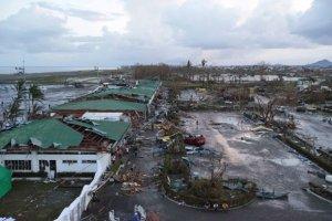 Tacloban-airport-damaged-by-Yolanda